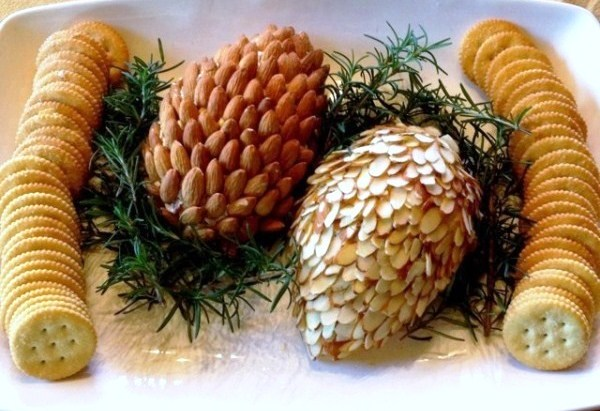 Almond pine cone cheese balls with crackers