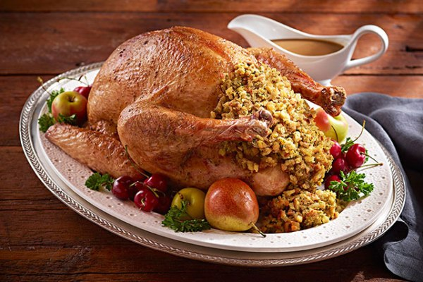 stuffed turkey with rice and fruits